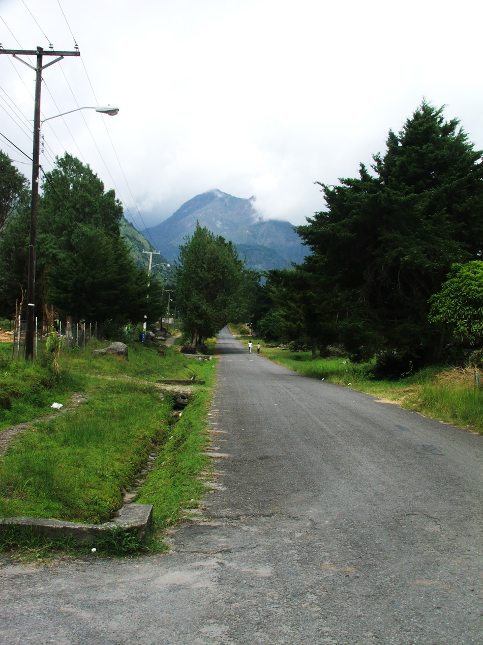A road in Paso Ancho with Volcan Baru looming in the background.
